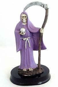 plegaria a la santa muerte morada
